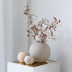 Cooee Design Ball vase i farven sand