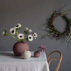 Cooee Design Ball vase i farven Cinder rose
