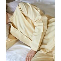Høie Pyjamas økologisk bomuld i farven lys gul