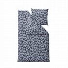 Södahl sengesæt Benjamina i farven Indigo med et flot print af blade