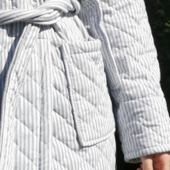 by SKAGEN Josefine badekåbe/morgenkåbe med grå striber kraftig kvalitet
